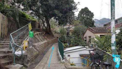 Ten Thousand Buddhas Monastery - Hong Kong Walking Tour Guide Step 12