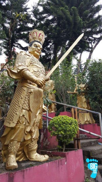 Ten Thousand Buddhas Monastery - Hong Kong Walking Tour Guide Step 25
